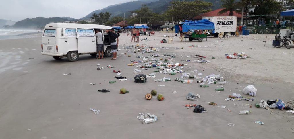 Praia Grande de Ubatuba/SP na manhã de 7 de setembro (Créditos: Alex Arruda)